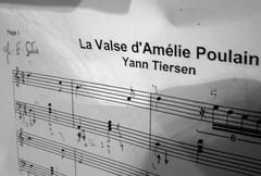 La Valse d'Amlie Poulain (ina andr *) Tags: blackandwhite white cinema black film blanco negro piano amelie musica pelicula notas papel musik zwart wit valse amliepoulain yantiersen lavalsedamliepoulain
