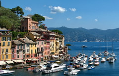 Portofino's beauty (klausthebest) Tags: sea italy sun seascape boat mare liguria barche sole portofino italians supershot 10faves bestpicturesonflickr aplusphoto holidaysvacanzeurlaub firsttheearth superhearts