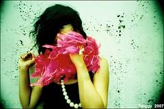 (Twiggy Tu) Tags: portrait sexy green film wall wind exhibition fiona taipei rocknroll moment blackhair 2688 flappergirl p1f1 shesmybestmodel  ilovepeachcolor