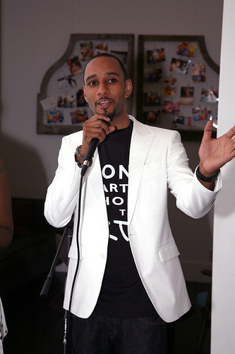4727359129 6b04e23cf2 Swizz Beatz Helps The Bronx Charter School for the Arts Raise $20,000