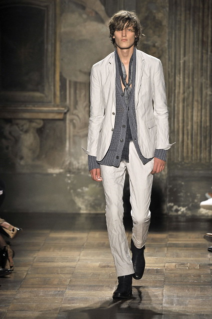 Demy Matzen3063_SS11_Milan_John Varvatos(first VIEW)