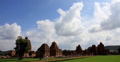 LowRes 2010-12-01 02 Pattadakal 01 Temple Complex LP