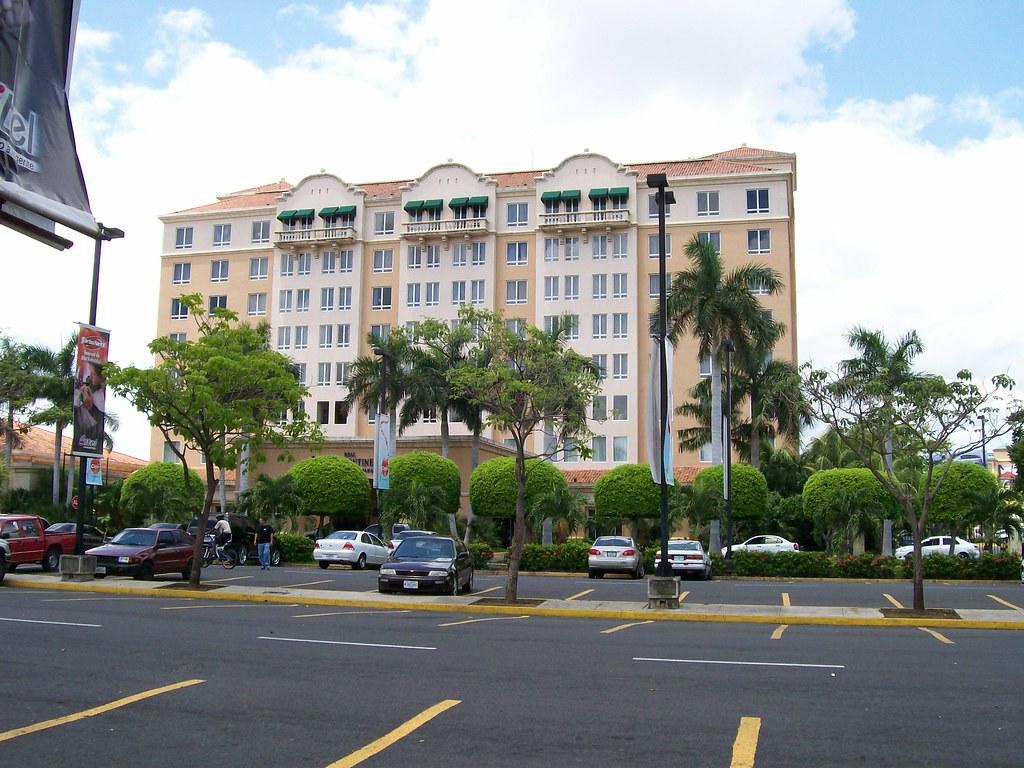 Vista del Hotel Intercontinental Metrocentro en el centro de Managua, Nicaragua