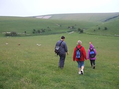 2007_0613glyde-walk0193 (Sandy & Alan) Tags: family walking countryside lewes thedowns glyde jun07 nietarui