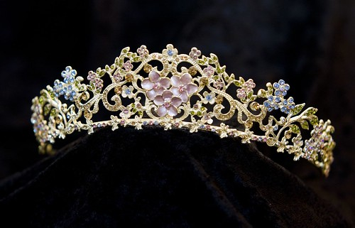 bridal tiaras_crystal and pearl tiaras_wedding jewelry_swarovski bridal tiara_pearl bridal tiara