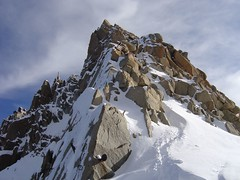 Dpart des cosmiques (NO) Tags: alps alpes mountaineering chamonix alpinisme aiguilledumidi artedescosmiques middayneedle cosmicedge