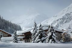 habitat de montagne (martoulette) Tags: montagne alpes chalet neige soe valdisre abigfave theunforgettablepictures martoulette lecharvet