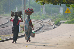 Woman Carrying Loads, Bharatpur Junction Railway Station (Peter Cook UK) Tags: carryingloads bharatpurjunctionrailwaystation