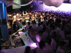 white-party-bar