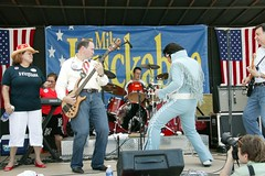 Mike Huckabee with his band, Capitol Steps, and a Fat Elvis impersonator