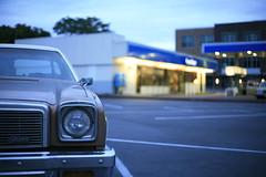 Malibu Blue (Matt Niebuhr) Tags: blue station oregon evening sunday broadway malibu gas hollywood 1970s portlandoregon clinic chevron timewarp mg1379