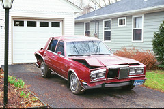 1986 Chrysler Fifth Avenue (DVS1mn) Tags: auto red cars car sedan accident 5thavenue american dodge chrysler mopar fifthavenue 1986 86 318 wpc walterpchrysler 4door progressiveinsurance chryslercorporation mbody progressiveinsurancestinks progressiveinsurancequotes mbodies