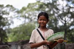 100_6404 (Bryan Hsieh) Tags: travel people lake building cambodia siemreap angkor  2007 tonlesap     eos5d