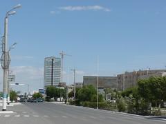 Avenida en Atyrau (AgusValenz) Tags: soviet centralasia kazakhstan ussr eurasia atyrau kazajistan