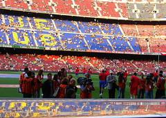 Rs de rs (Itotti69) Tags: barcelona people colors topv111 football europe colours ronaldinho sony topv222 catalunya futbol campnou bara fcbarcelona noucamp views100 views200 views300 etoo views150 wowiekazowie