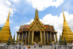 Prasat Phra Thep Bidon - by SlapAyoda