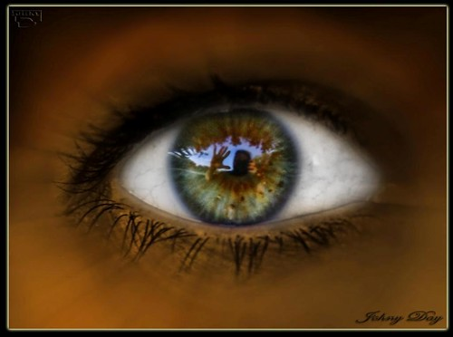 Hi  Eye by Johny Day.