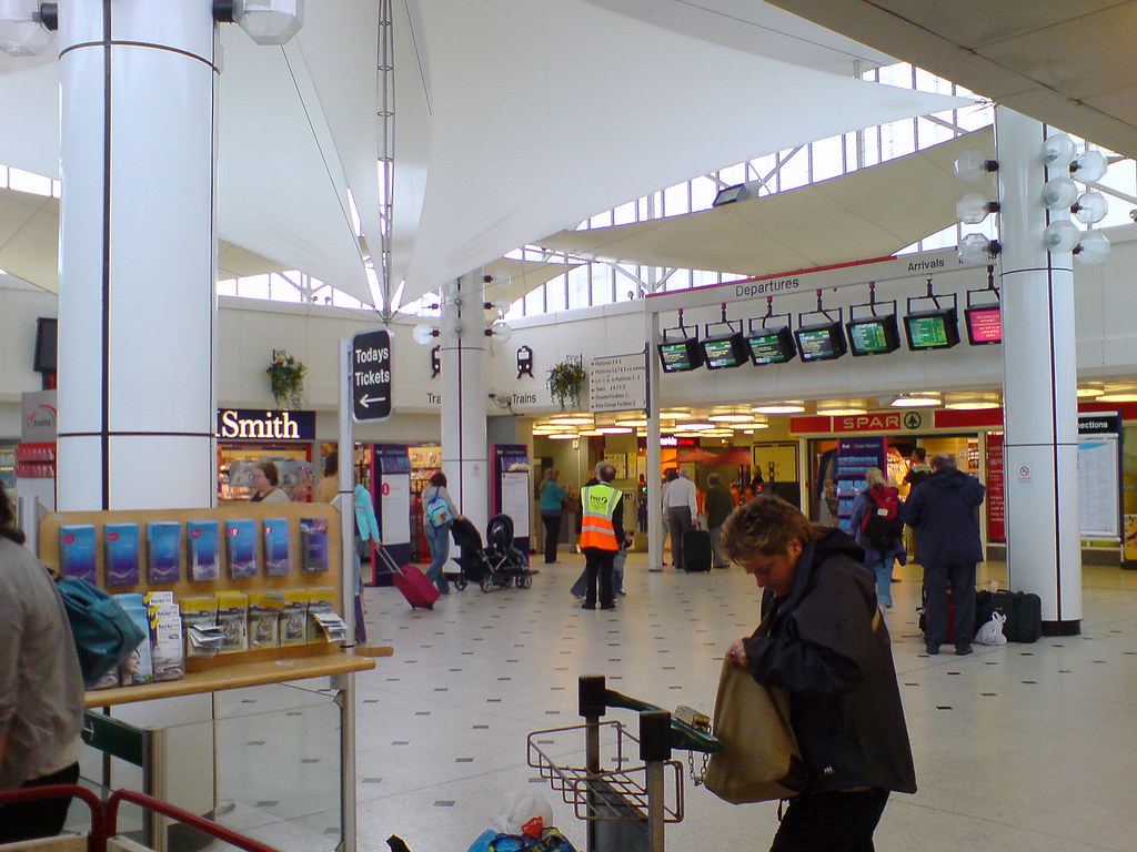 Plymouth station ticket hall by Macspite