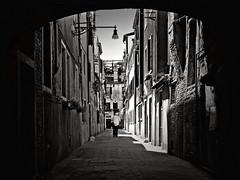alley (heavenuphere) Tags: world street venice bw italy heritage topf25 vanishingpoint site alley topf50 italia unesco venezia