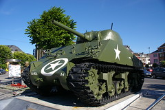 Sherman a Bastogne / The Sherman of Bastogne (SBA73) Tags: verde monument army star memorial war tank belgium belgique belgie ardennes guerra battle krieg 101 char airborne guerre heer belgica estrella mcauliffe m4 sherman 1944 panzer 2007 bulge verd usarmy arme tanque batalla estel bastogne tanc waffen ejrcito ardenas ardenes exrcit