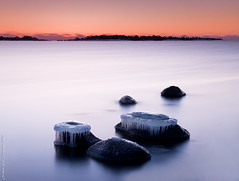 Hats of ice (Rob Orthen) Tags: longexposure winter sea sky rock suomi finland landscape nikon europe scenic rob nd scandinavia talvi meri maisema vesi pinta d300 kirkkonummi gnd porkkala 175528 nohdr leefilter orthen ostrellina roborthenphotography seafinland 09hardgrad