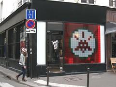 The LazyDog Bookshop (tofz4u) Tags: street people streetart paris rome roma window shop tile magasin mosaic spaceinvader spaceinvaders boutique invader rue vitrine passant mosaïque artderue 75011 invaderoma