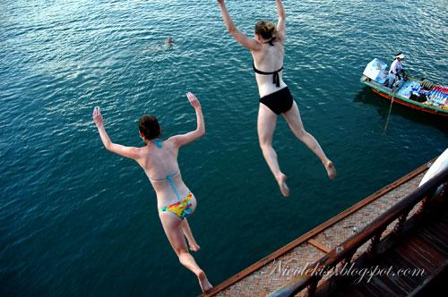 ang mo ladies diving