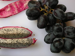 dragon fruit + grapes