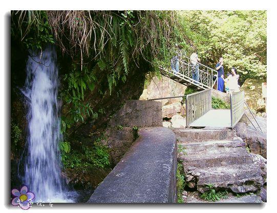 猴洞瀑布8