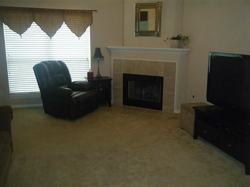601 Plano, College Station, TX  77845 - Living Room