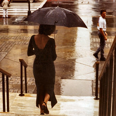 U = UMBRELLA (a Goddess, provoking a man to hesitate) (Frizztext) Tags: nyc newyork rain umbrella manhattan library streetphotography galleries publiclibrary blurb youtube rihanna littlestories frizztext chercherlafemme picswithsoul exquisiteimage winner500