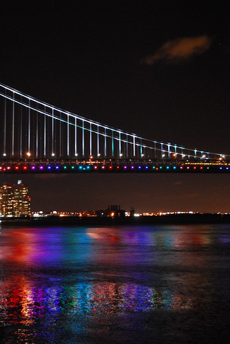 Ben Franklin bridge shining for 2009