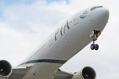 Pakistan International Airlines (PIA) Boeing 777-340/ER (AP-BHV) (C.S Chaulk) Tags: pia boeing777 londonheathrow heathrowairport lhr egll landing arriving london uk aviation aircraft aeroplane heathrow airport