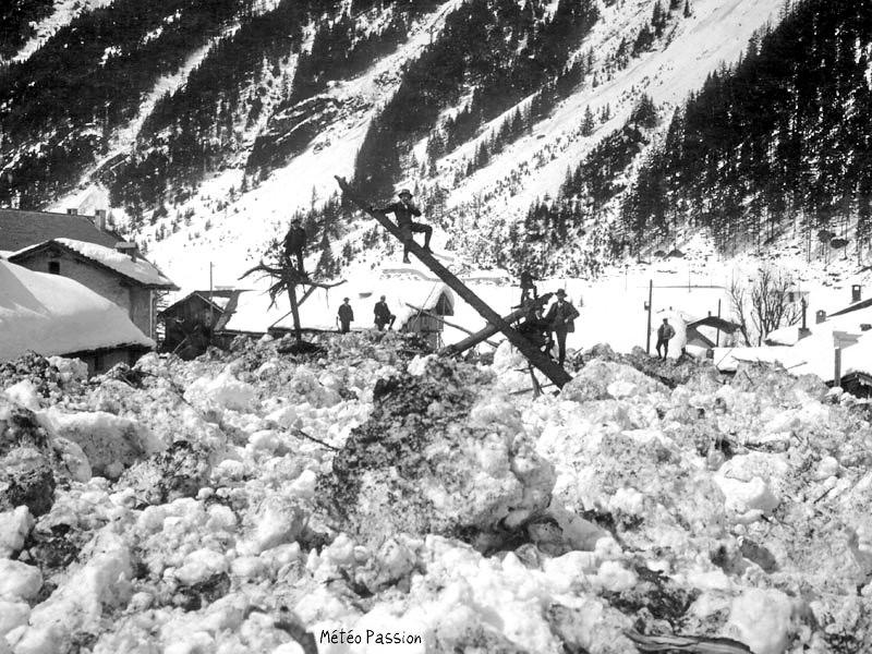 avalanche aux Chosalets dans la vallée de Chamonix fin mars 1914