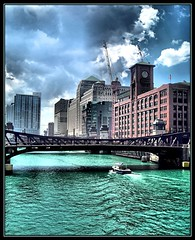 Chicago River (K2D2vaca) Tags: city bridge chicago water river boat illinois il chicagoriver welcomeall mywinners superaplus aplusphoto goldenphotographer superhearts k2d2vaca