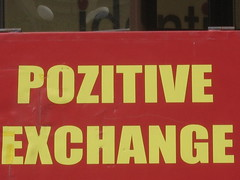 pozitive exchange (luis echanove) Tags: sign cambio romania positive rotulo exchange rumania rtulo positivo rumana echanove echnove