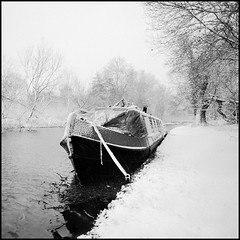 Cassiobury Park (Fusty Box) Tags: uk winter blackandwhite snow 6x6 water squareformat barge narrowboat hertfordshire watford grandunioncanal moored rubyphotographer