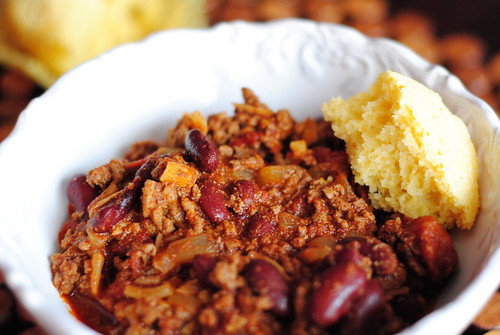 red bean chili + corn bread