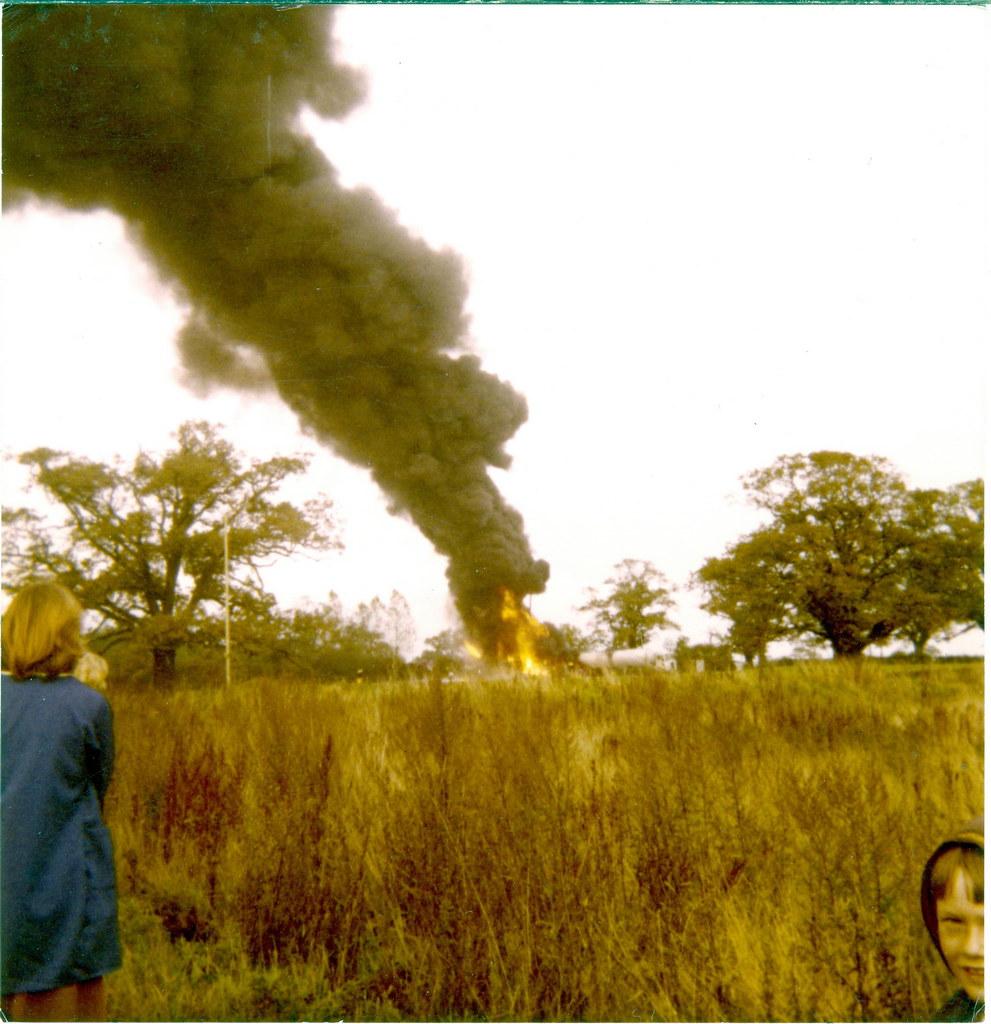 Belt Oil Derrick Fire 1976 (2)