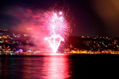 Party time ! in Istanbul / Fiesta! en Estambul (pasotraspaso) Tags: party rose photography spain nikon europe fiesta time fireworks photos rosa istanbul explore fuegos estambul artificiales bosforo bosphourus explored d80 inexplore abigfave nikond80 pasotraspaso jesussolana