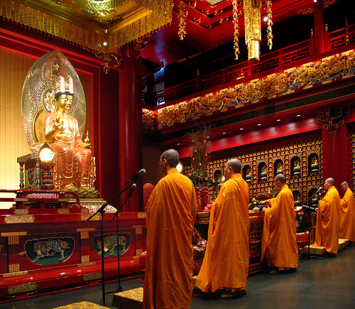 Buddha Tooth Relic Temple - Hundred Dragon Hall