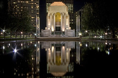 Anzac memorial (nune) Tags: travel light vacation reflection architecture night dark oz sydney australia hydepark anzac 2007 anzacmemorial instantfave anawesomeshot