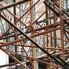 sacred meccano (leo59) Tags: barcelona square iron scaffolding leo59 scaffold sq sagrada oranje steiger staigerpaip