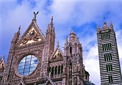 Duomo di Siena (d.o.n.d.u) Tags: leica italy film 50mm italia fuji cathedral catedral summicron velvia di scanned siena f2 duomo toscana expired m7 plustek opticfilm dondu 7600i