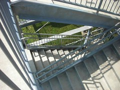 Short way up (Rrrrred) Tags: park stairs letterboxing planting ohioriver garblemint chilopark katesurprise