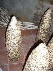 Castellamonte (wordscraft) Tags: ceramica cantina stalagmiti installazione