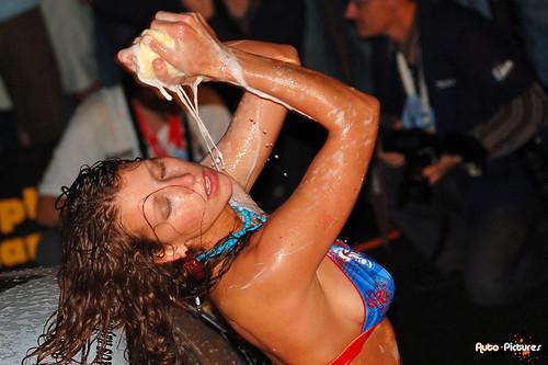 24 Hours Zolder, Bikini Carwash