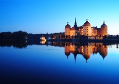 Reflected beauty (Tobi_2008) Tags: colour reflection building castle night germany deutschland pond searchthebest nacht saxony clear sachsen schloss teich farbe allemagne spiegelung gebude notte germania nachtaufnahme nighshot nui moritzburg beautifulshot flickrstars diamondstars flickridol arealgem bestcapturesaoi tripleniceshot elitegalleryaoi mygearandmepremium mygearandmebronze mygearandmesilver mygearandmegold mygearandmeplatinum