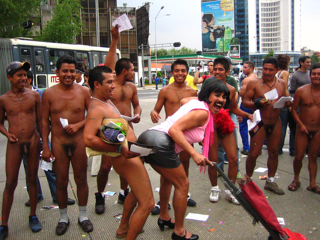 mexican nude boy pis