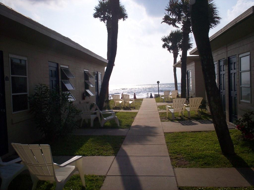 Daytona Beach 07.  The Shoreline Motel